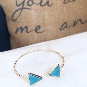 🎀 NEW • Marble Triangle Bracelet Bangle •